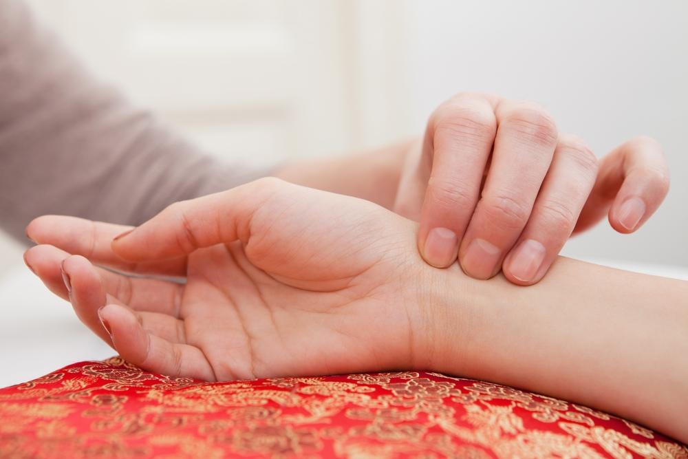 Top 10 Doctor's Tips for Healing Hashimoto's - Aviva Romm MD